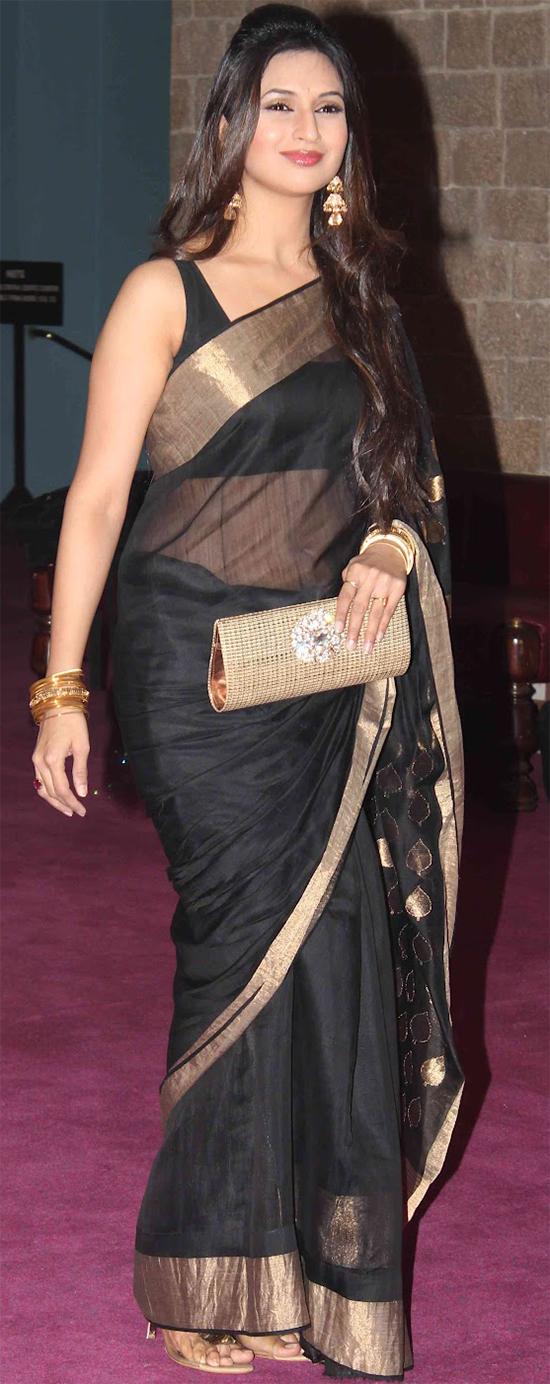 Divyanka Tripathi In Black Saree