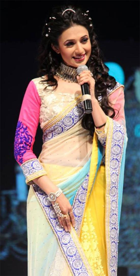 Divyanka Tripathi In Half And Half Saree
