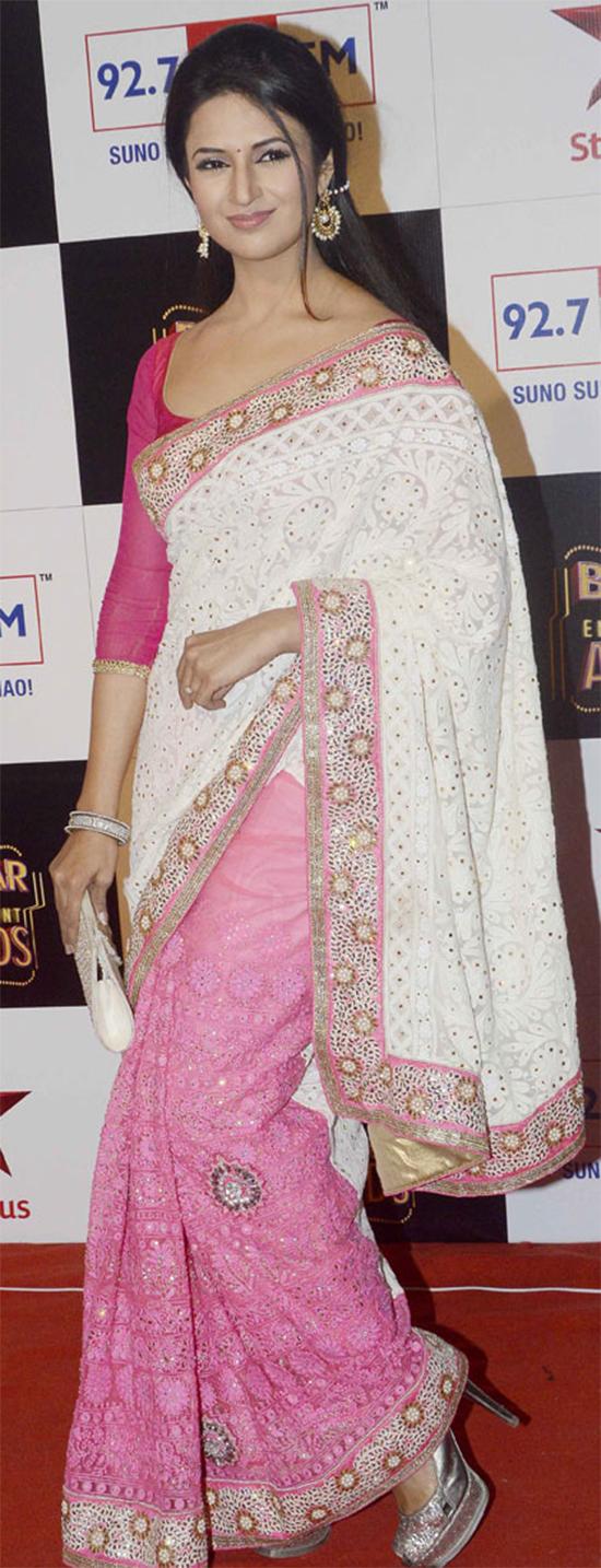 Divyanka Tripathi In White And Pink Saree