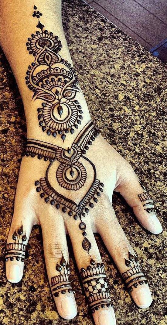 Excellent Back Hand Mehendi Designs