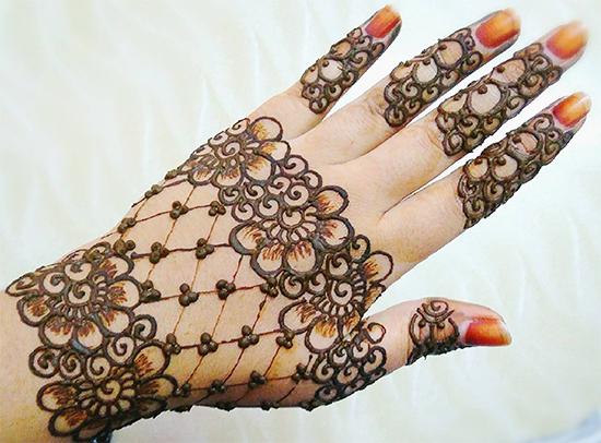 Flower Motif Mehndi Designs