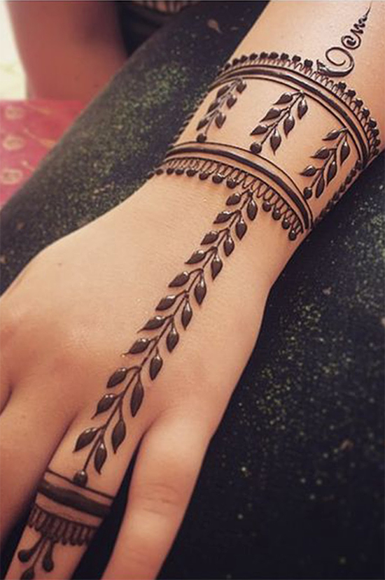 Latest Bracelet Mehendi Design