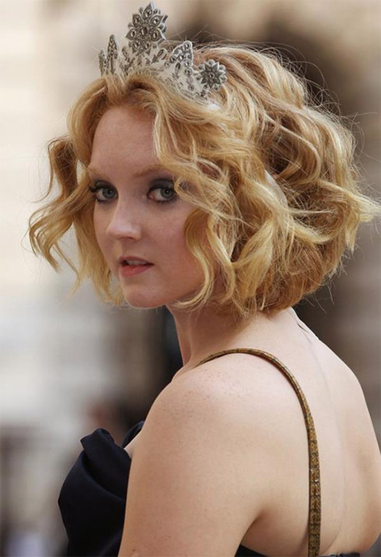 Lily Cole Curly Hairstyle For Short Fine Hair