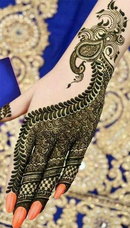 Peacock Mehendi Design On Back Hand