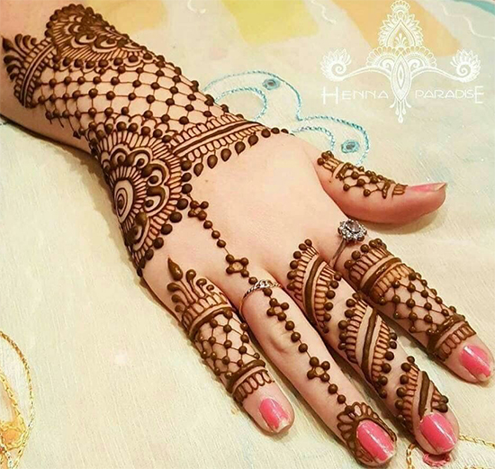 Ring Chain Mehendi Designs