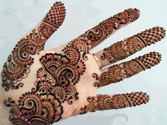 Simple With Latest Mehendi Design For Eid
