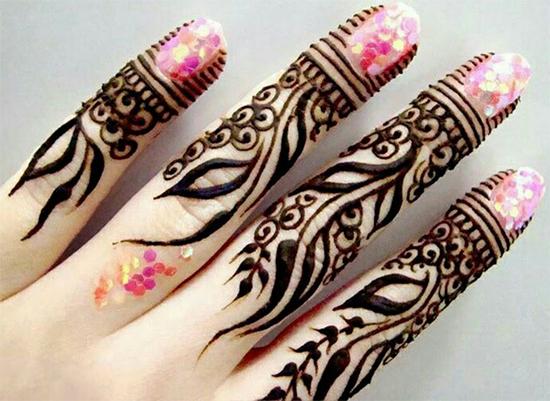 Stylish Fingers Mehendi Design Styles