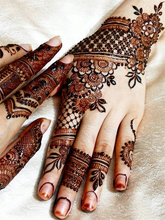 Stylish Henna Mehendi Designs For Young Girls