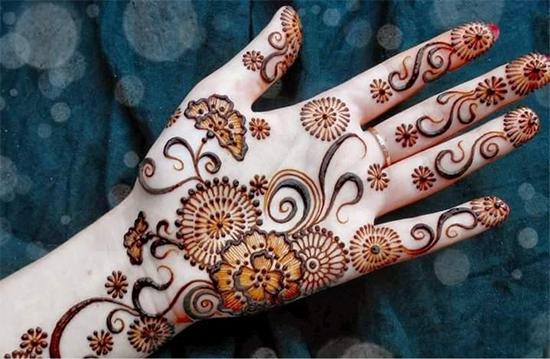 Stylish Mehendi Design