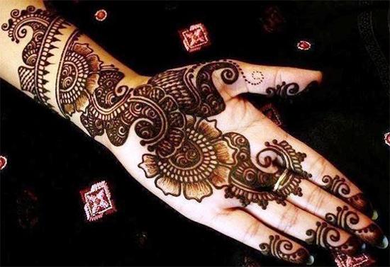 Stylish & Trendy Arabic Mehendi Design