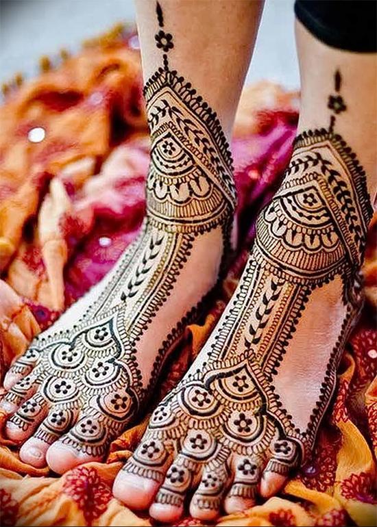 Unique Foot Mehendi Design