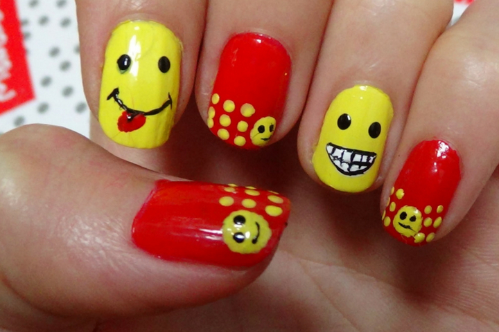 10 Best Smiley Face Nail Art Designs Every Girls Choice